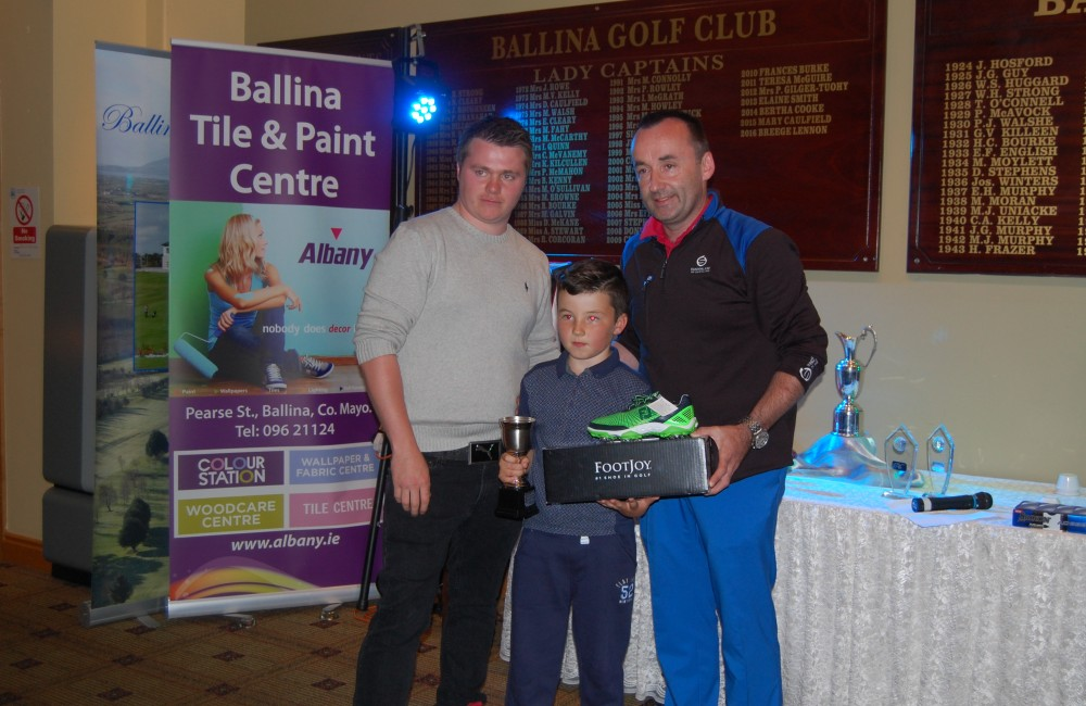 Photo 2 – Darragh Ginty Junior 9H Comp Winner Caption: Darragh Ginty winner of the Albany Open, Junior 9 Hole Competition on Saturday 13th August 2016. With John Slater, Host and Sponsor, Albany Ballina Tile & Paint and Richard Doherty, Junior Convenor, Ballina Junior Golf Programme.
